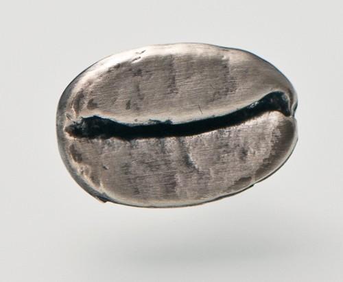 Pin Kaffeebohne silber