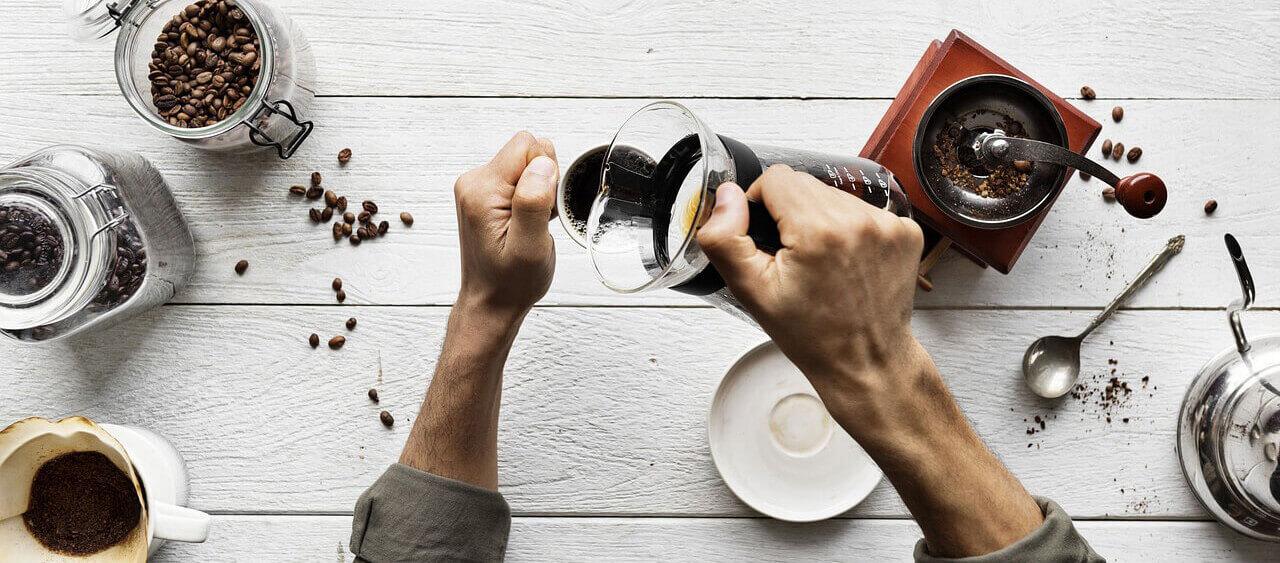 s-urearmen-Kaffee-zubereiten